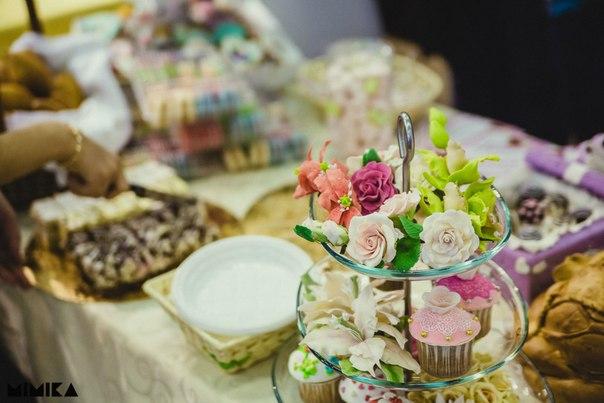Цветы на свадебный стол