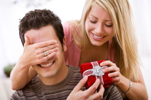 Что подарить любимому мужчине: полезные советы