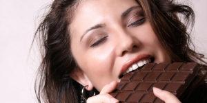 Плитка шоколада - спасение от стресса